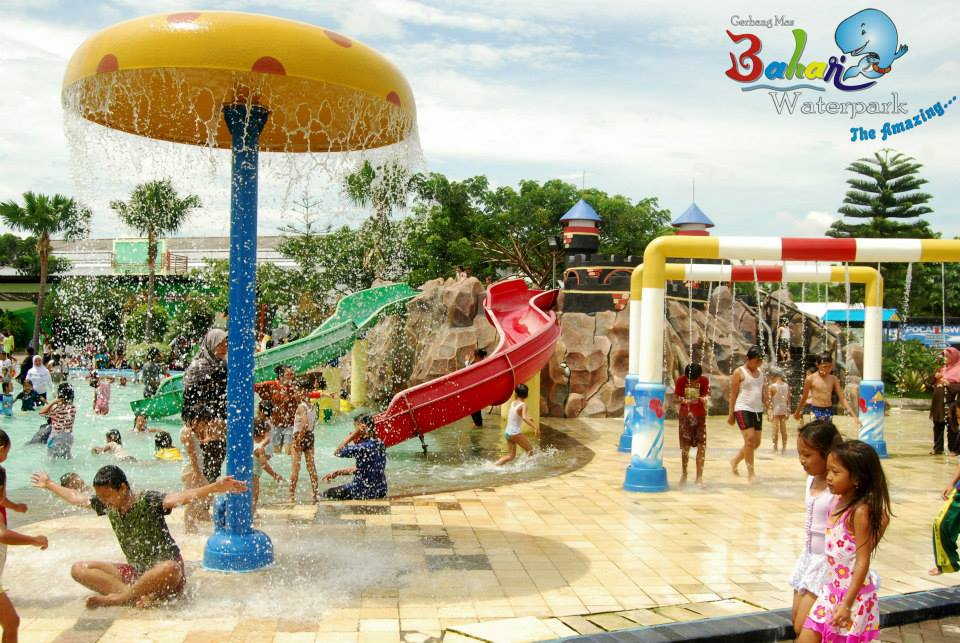 Gerbang Mas Bahari Waterpark Tegal