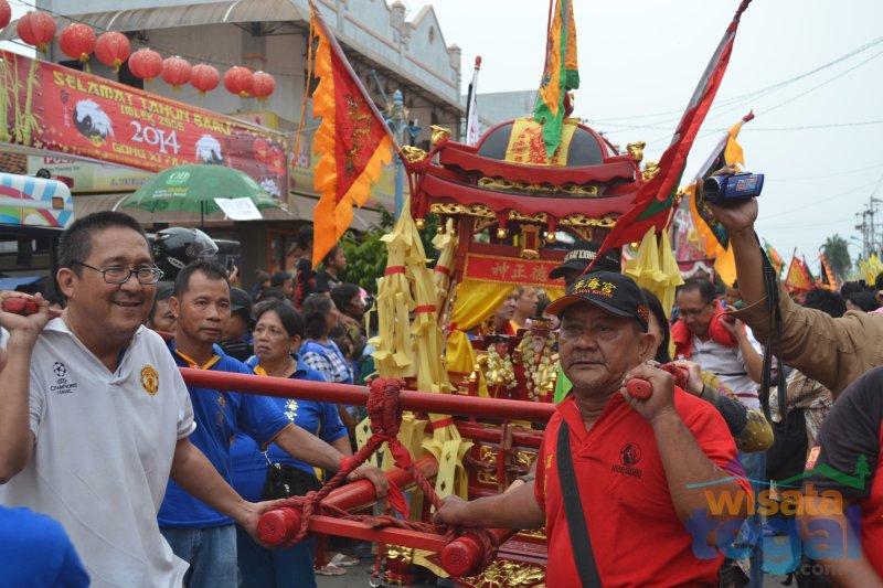 Tradisi Gotong Toa Pe Kong