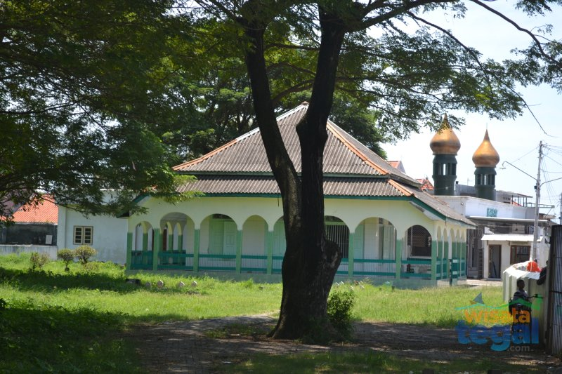 Makam Al-Haddad Tegal