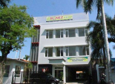 Ranez Inn Hotel Tegal