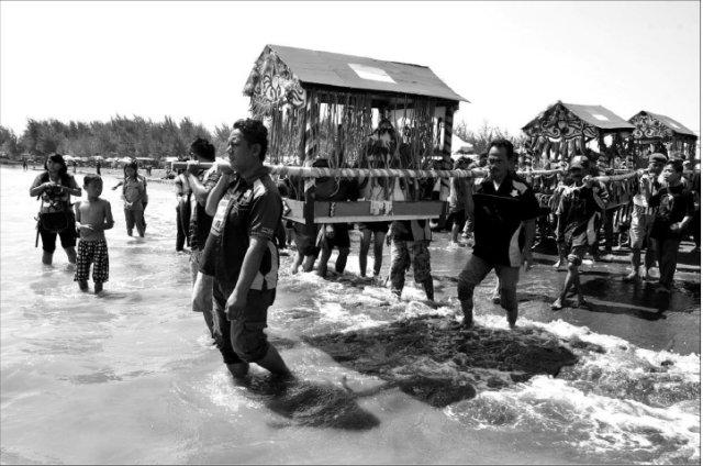 Tradisi Ruwatan Obyek Wisata Pantai Alam Indah (PAI) Tegal
