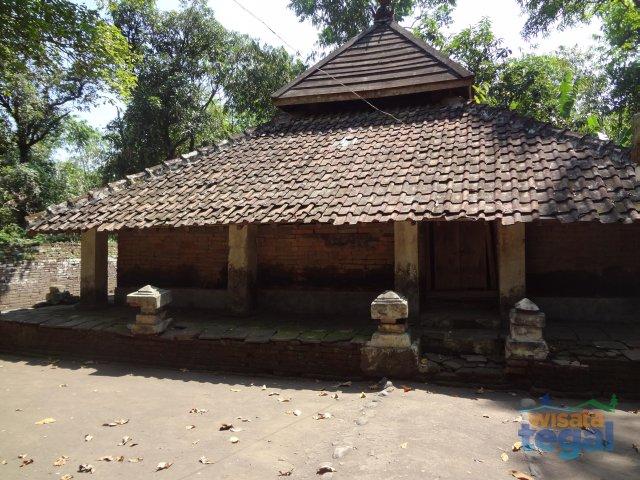 Makam Suroponolawen
